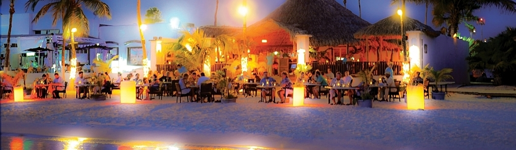 Barefoot dining in Aruba